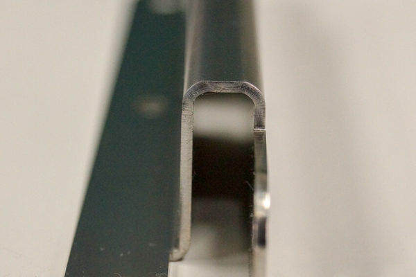 加工事例:プレス加工・コの字曲げ加工・板厚1mmの写真2